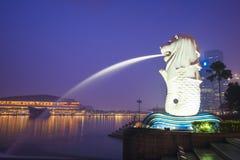 小游艇船坞海湾沙子,新加坡2015年10月12日:Merlion和skyscr 库存照片