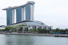 小游艇船坞海湾铺沙旅馆视图新加坡 2017年12月15日 免版税库存照片
