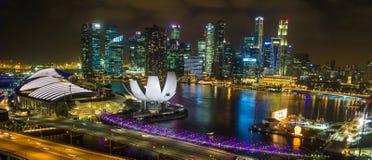 小游艇船坞海湾铺沙从新加坡飞行物的看法 免版税图库摄影