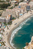 小游艇船坞的大角度看法在Calpe,阿利坎特,西班牙 免版税图库摄影