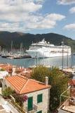 小游艇船坞看法在马尔马里斯港 免版税图库摄影
