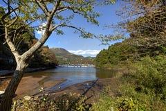 小游艇船坞边看法在箱根Ko,芦之湖,日本 库存照片