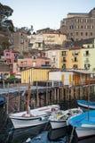 小游艇船坞重创在索伦托,意大利 库存照片