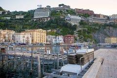 小游艇船坞重创在索伦托,意大利 免版税库存图片