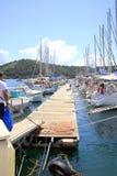 小游艇船坞,斯基亚索斯岛镇,希腊 库存图片