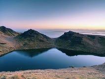 小湖山的和苏格兰高地 风景风景视图 库存图片