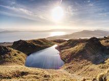 小湖山的和苏格兰高地 风景风景视图 免版税库存图片