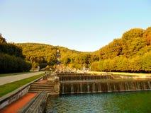 小瀑布喷泉 免版税图库摄影