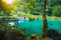 小瀑布国家公园在危地马拉Semuc Champey 库存图片