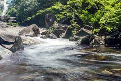 小瀑布在国家公园 图库摄影