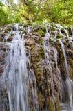 小瀑布在莫纳斯特里奥de彼德拉Park,萨瓦格萨,西班牙 免版税库存图片