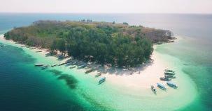 小热带海岛美好的风景  股票视频