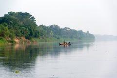 小独木舟在Mompox,哥伦比亚 库存图片