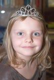 小王冠的女孩 库存图片