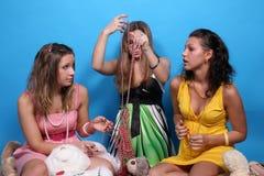 小珠熊女性朋友女用连杉衬裤三 免版税库存图片