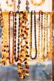 小珠由琥珀制成 首饰由琥珀制成 传统Souven 免版税库存图片