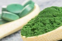 小球藻, spirulina - suplement -搽粉形式 库存照片