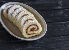 小甜面包用苹果果酱 库存照片