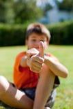 小男孩赞许 免版税库存图片