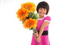 小的亚洲女孩花 免版税库存照片