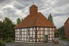 小的农村教会 免版税库存照片