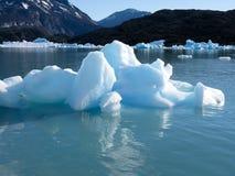 小的冰山在Calafate 库存图片