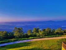 小的吉恩河谷和蓝色Mountain湖 免版税图库摄影