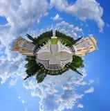 小的地球或行星 免版税库存照片