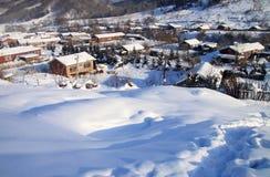 小的村庄冬天 免版税库存照片