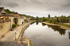 小的河La Beune Les Eyzies deTayac Sireuil 免版税库存照片