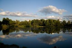 小的湖 免版税库存照片