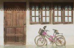 小的自行车 免版税库存照片