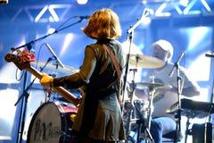 小精灵(美国供选择的摇滚乐队)在音乐会 免版税库存图片