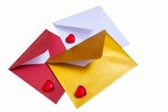 小组与红色心脏的开放多彩多姿的信封 库存照片