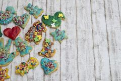 小组五颜六色的自创圣诞节曲奇饼和饼干 库存图片