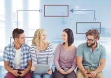 小组会议和五颜六色的心智图在明亮的背景 免版税图库摄影
