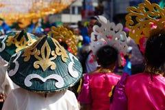 小组使用的帽子沿路的狂欢节舞蹈家 库存图片
