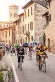 小组在一个历史的循环的事件期间的骑自行车者在Chianti, Tu 免版税库存图片