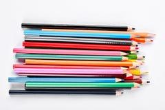 小组在白色背景的多彩多姿的铅笔 免版税库存照片