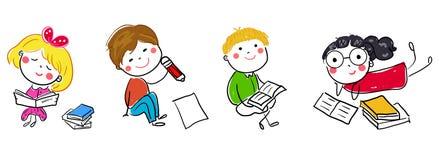 小组孩子和书 免版税库存图片