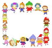 小组孩子在冬天 免版税库存图片