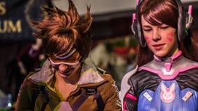 小组少年cosplayers,圣彼德堡, 2016年11月13日 免版税库存照片