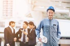 小组工程师和商人 免版税库存图片