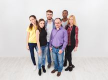 小组成人站立 免版税图库摄影
