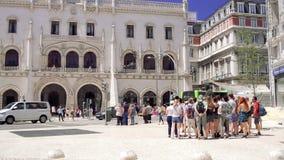 小组接近Rossio里斯本/葡萄牙, 2017年6月16日的游人 影视素材