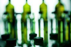 小组有透明医学的细颈瓶在医学实验室 免版税库存照片