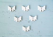 小组白色弓或天使,圣诞节概念 免版税库存照片