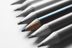 小组白色表面上的多彩多姿的铅笔 免版税图库摄影