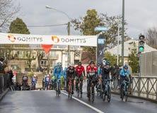 小组骑自行车者-巴黎好2018年 免版税库存照片