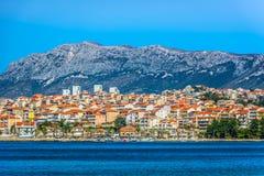 小美丽如画的镇Podstrana,克罗地亚 库存图片